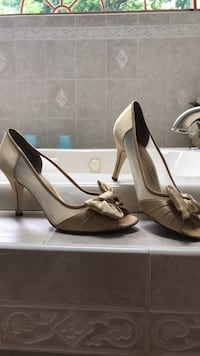 Gold high heels size 8.5 Worcester, 01606