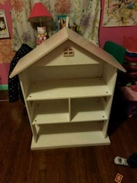 For sale doll house  Woodbridge, 22191
