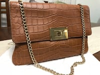 Michael kors 2 way. Shoulder bag/ clutch bag.  Authentic.please check the photos New Westminster, V3M