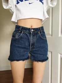 Levi's dark wash high waisted cutoff shorts Toronto, M3A 1W7