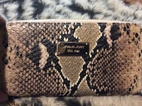 Michael Kors wallet  Central Okanagan, V1Z 3K9