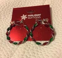 2 green and red holiday editions bracelets Winchester, 22601