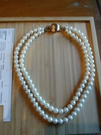 Pearl vintage costume necklace