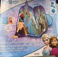 Frozen play tent with tunnel