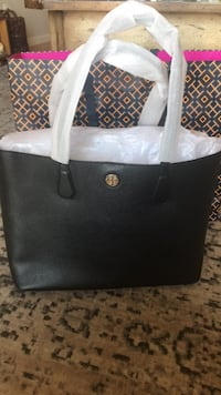 Tory Burch Tote.   new! West Babylon, 11704