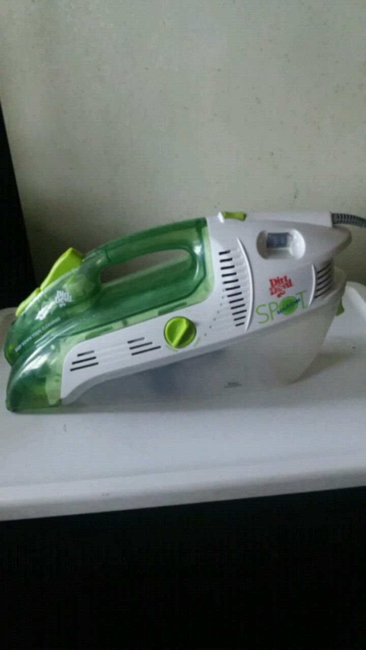 Photo (GENTLY USED) DIRT DEVIL SPOT SCRUBBER, ASKING $40