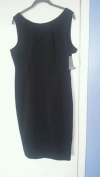 black scoop neck sleeveless dress Calgary, T3J 2T2