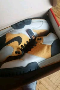 Nike air force trainers  Toronto, M4C 2H2