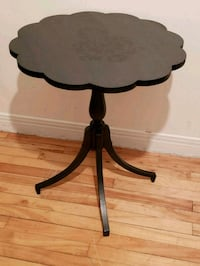 Vintage table  Longueuil, J4K 3S9