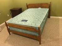Queen Mattress, box spring, bed frame (doesnot include the nightstand) Las Vegas, 89135