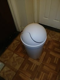 Basic White Trashcan Suitland-Silver Hill, 20746