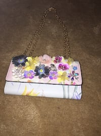 white and pink floral wristlet Odessa, 79761