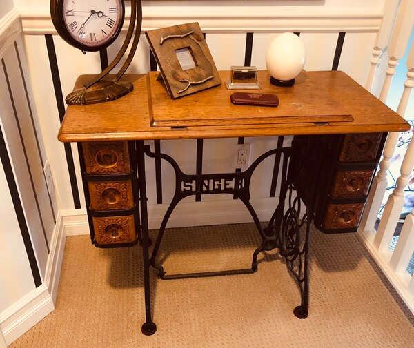 Cool Antique Sewing Machine Table Home Interior And Landscaping Transignezvosmurscom