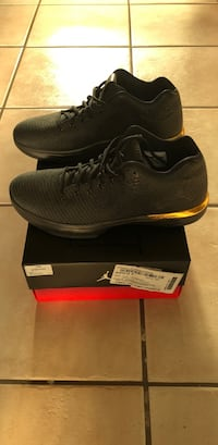 pair of black Nike low-top sneakers with box Surrey, V3S 5W5