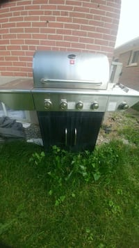 BBQ with cover- great condition- Must Go! Halton Hills, L7G 4K4