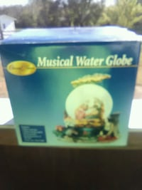 Special times musical water globe  plays Silent Ni Buchanan, 24066