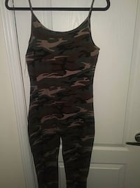 black and gray camouflage tank top Brampton, L6P