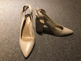 Lord and Taylor Leather Vanilla Shoes / Pumps / Heels