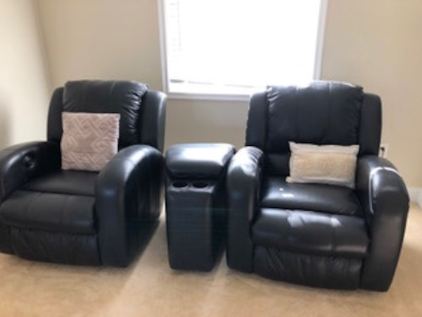 Set of 2 Black Leather Recliners with Central Leather Console