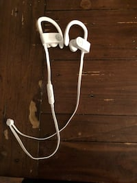 White beats by dr. dre 3