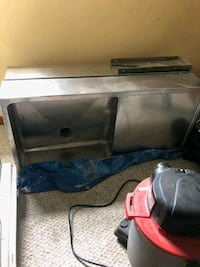 I have two stainless steal sinks, will sell separa Raynham