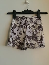 Pin up style high waisted women's shorts size xsmall Vancouver, V5T 1K9