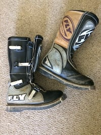 Almost new size 9 motocross boots  Kelowna, V1P 1P2