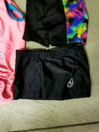 Girls Gymnastics outfit. Size is 4-6 still in good condition.  Tecumseh