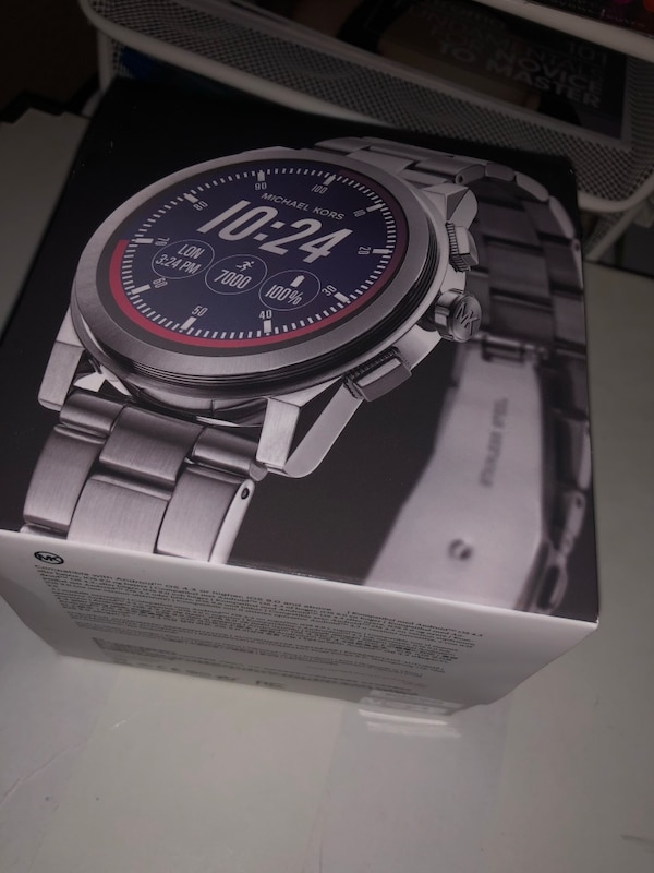 db58bc706dc7 Michael Kors stainless steel Grayson smart watch compatible with android  and Iphone usado en venta en Deerfield Beach - letgo
