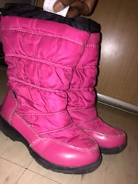 pink-and-black snow boots Toronto, M3N 2R5