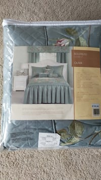 gray and green Olivia bedspread set Gatineau, J8Y 1W4