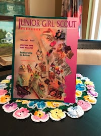 Junior Girl Scout Handbook ~ Leadership in Action Maple Grove
