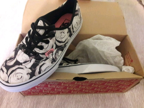 Used Vans shoes for sale in Escondido - letgo e6ec6920b