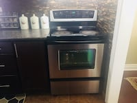 Stainless steel electric stove/oven Toronto, M1G 1T1