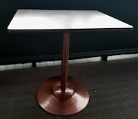 Like New Small Table - $100 / Delivery Available Toronto
