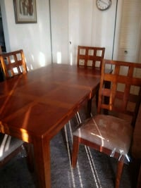 Dinning room table and 4 chairs Bladensburg, 20710