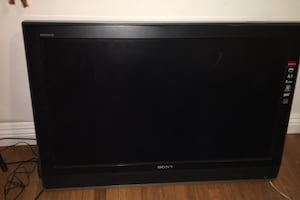 Sony Bravia with damaged screen. 27 in wide and 17 in high.