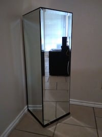 $150 4way mirror decorative glass top  San Antonio, 78250
