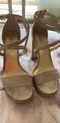 Michael Korse heels like new size 7-7.5 Burnaby, V5H 2P4