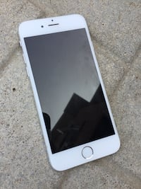 iPhone 6 - 16 GB. Unlocked. Silver Oakville, L6M 2X3