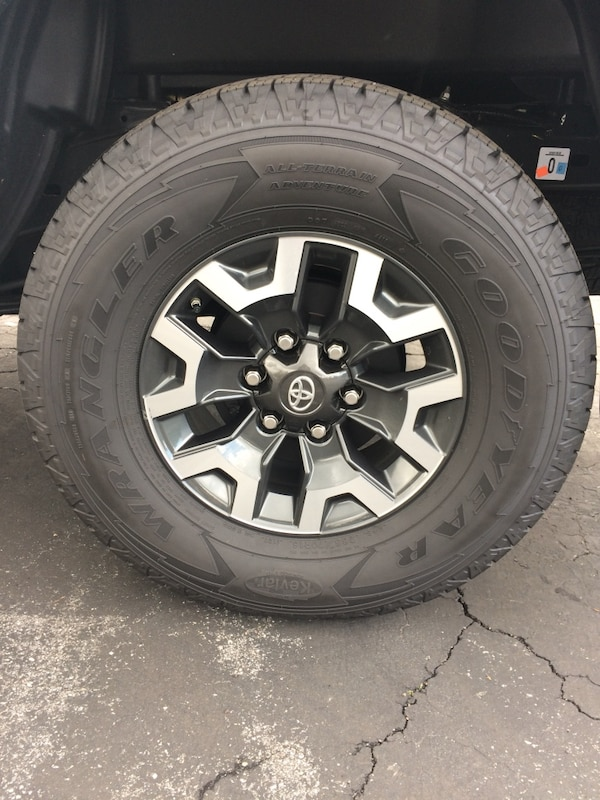 Toyota Tire Sale >> Toyota Tacoma 16 Trd Rims 16 And Wrangler Tires New 265 70 16