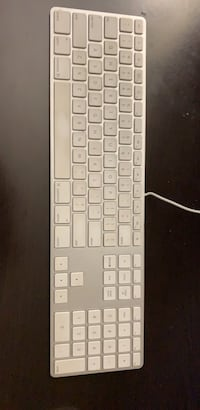 Apple Wired Keyboard with Numeric Keypad Coquitlam, V3J 7W9