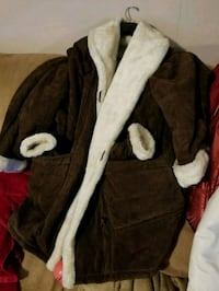 Brown and white suede fully lined  Woodbridge, 22193