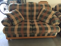 Love seat, Bassett, in great condition! Manassas, 20112
