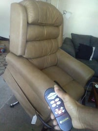 Lift Chair, perfect condition (retail $3k) Renton, 98058