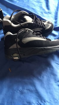 Shoes heelys black and grey size 8 Fresno, 93727