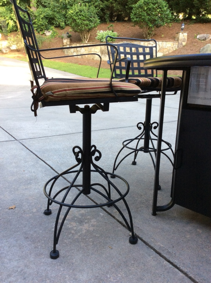 Used patio set propane table in canton for Table 6 in canton