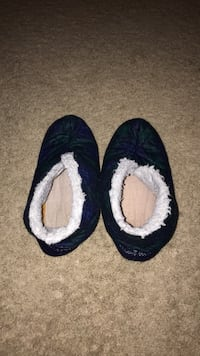 Ladies size 8 green and blue slippers, barely worn