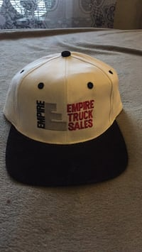 white and black Chicago Bulls fitted cap 2272 mi