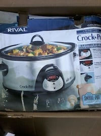 slow cooker new never used Calgary
